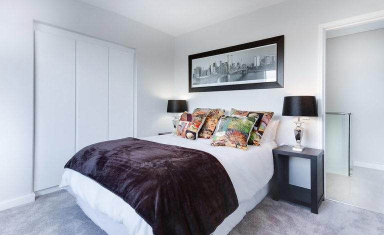 Lær å velge riktig belysning til soverommet